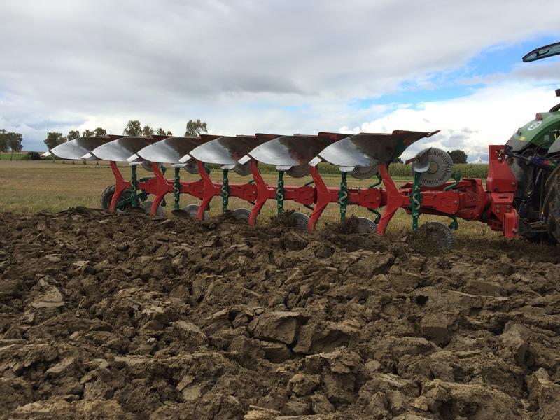 De nieuwe Kverneland 2500 I-Plough